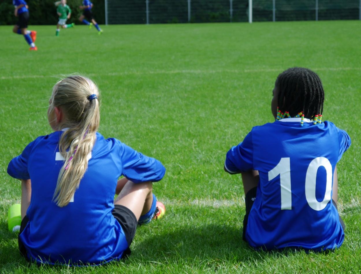 Meisjesvoetbal en vrouwenvoetbal bij Leeuwarder Zwaluwen