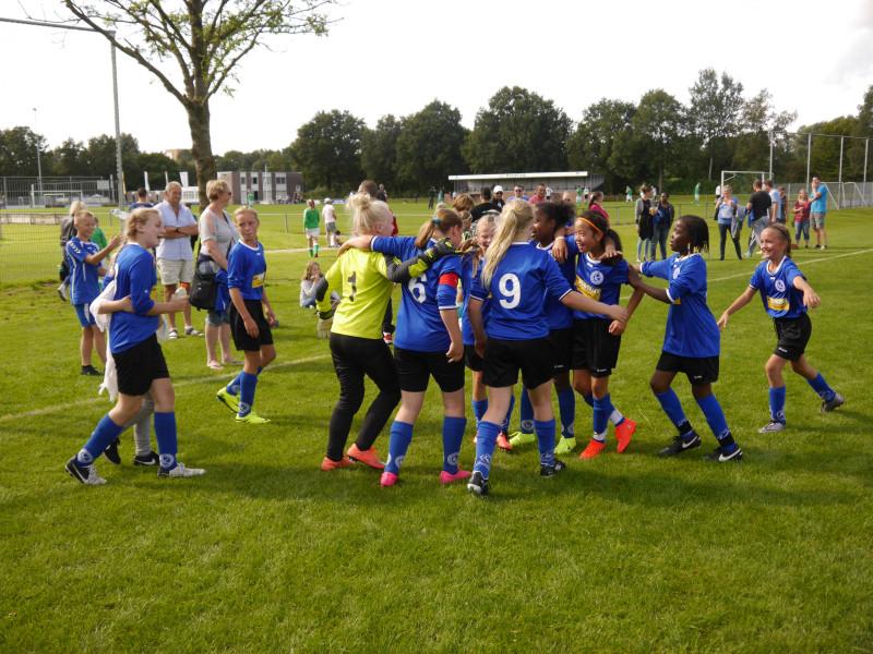 Zwaluwen, het beste meisjesvoetbal van Leeuwarden?